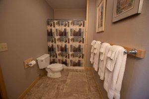 Loon's Nest Bathroom
